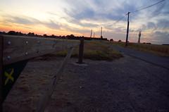 Marqué (Atreides59) Tags: nord hautsdefrance sunset ciel sky soleil coucherdesoleil coucher bleu blue jaune yellow rouge red nuages clouds pentax k30 k 30 pentaxart atreides59 atreides cedriclafrance france