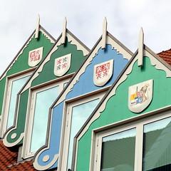 zaans groen 4 (andrevanb) Tags: zaandam gemeentehuis green groen modern architecture