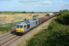 60066. Bremhill Overbridge. 20-08-2019 (*Steve King*) Tags: 60066 tug 66 class 60 drax livery silver purton bremhill overbridge swindon toton 6m53 steel stores freight train
