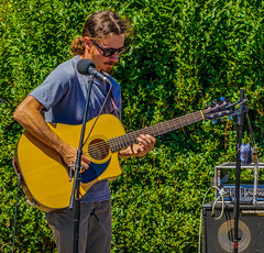 2018 Street Fair--DSC09826--Port Orford, OR (Lance & Cromwell back from a Road Trip) Tags: streetfair2018 portorford currycounty oregon portorfordheads music entertainment sony sonyalpha emount a7ii 24240mm fe24240mm 24240mmlens event