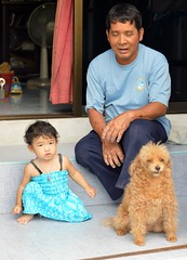 father, daughter, dog (the foreign photographer - ฝรั่งถ่) Tags: father daughter dog khlong lard phrao portraits bangkhen bangkok thailand nikon d3200