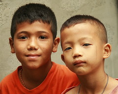 friends (the foreign photographer - ฝรั่งถ่) Tags: two boys children friends buddies khlong thanon portraits bangkhen bangkok thailand canon