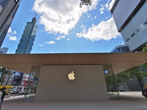 Apple Store 信義 A13
