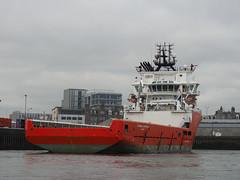 M2032422 E-M1ii 40mm iso200 f3.2 1_2500s -0.3 (Mel Stephens) Tags: 20190803 201908 2019 q3 4x3 wide olympus mzuiko mft microfourthirds m43 40150mm omd em1ii ii mirrorless gps uk scotland aberdeen coast coastal transport boat ship harbour