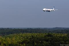 Canon EF70-300mm F4-5.6L IS USM Shooting in Narita International Airport (Photographer Atsushi Yoshioka) Tags: canon キヤノン ef70300mml lレンズ 望遠レンズ 一眼レフ 成田 成田空港 成田国際空港 飛行機