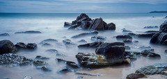 Outdoor landscape / North of Wales 2019 (zilverbat.) Tags: engeland landscape landschap nature outdoor shoreline uk unitedkingdom verenigdkoninkrijk zilverbat nd longexposure rocks stones coastline coast shore postcard desktop visit tripadvisor trip tour print desk water world waterfront daylight