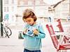 photographe en herbe... Reynald ARTAUD (Reynald ARTAUD) Tags: 2019 août pays basque bayonne photographe herbe petite fille reynald artaud