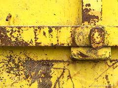 Dumpster series (Jürgen Kornstaedt) Tags: 6plus iphone colomiers départementhautegaronne frankreich