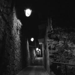 Paths in my heart (lebre.jaime) Tags: portugal beira covilhã street nightphotography nocturnal analogic mediumformat mf squareformat film120 blackwhite bw noiretblanc nb pretobranco pb ilford delta3200 ei1600 hasselblad 500cm carlzeiss distagon cf4050fle epson v600 affinity affinityphoto ptbw