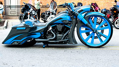ready to rumble... (Stu Bo - Tks for 13 million views) Tags: canonwarrior motorcycle kustom bike sexonwheels sbimageworks showbike cruisenight ride rebel cool greatpaint