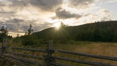 Coucher de soleil, sunset - Parc national du Bic, PQ, Canada - 1728 (rivai56) Tags: coucherdesoleil sunset parcnationaldubic pq canada 1728 coucher de soleil sur la clôture perches