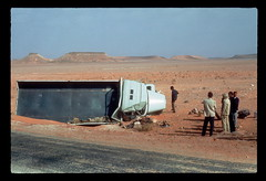 Desert Lorry Crash (ubqlfulp16) Tags: sahara algeria niger cameron nigeria chad