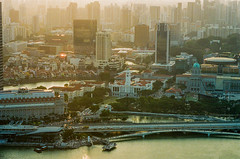 Singapore City during sunset on film (Thanathip Moolvong) Tags: nikon f100 lomography 800 negative film singapore golden hour city