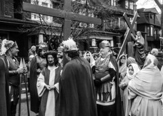 DSC_7363_epgs (Eric.Parker) Tags: april 19 easter 2019 goodfriday procession littleitaly stfrancis assisi church stfrancisofassisi college street jesus christ stationsofthecross christian christianity brassband toronto palm bw