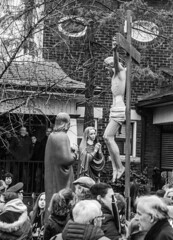 DSC_7357_epgs (Eric.Parker) Tags: april 19 easter 2019 goodfriday procession littleitaly stfrancis assisi church stfrancisofassisi college street jesus christ stationsofthecross christian christianity brassband toronto palm bw