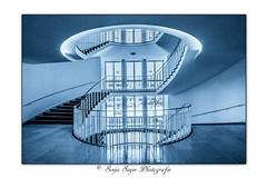 all around (SonjaS.) Tags: münchen deutschland germany weitwinkel canon6dmarkii treppe stair wendeltreppe architektur sonjasayer allaround linien