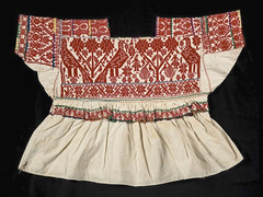Mexico Textiles Blouses Nahua Puebla (Teyacapan) Tags: nahua blusa blouse mexican embroidered textiles ropa clothing puebla museum