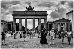Smile you're with good and evil. (studiotheia) Tags: brandenburggate berlin streetphotography starwars