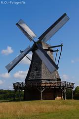 Windmühle / Windmill (R.O. - Fotografie) Tags: windmühle windmill freilichtmuseum detmold kappenwindmühle rofotografie blauer himmel blue sky panasonic lumix dmc gx8 gx 8 14140mm outdoor outside deutschland germany dmcgx8