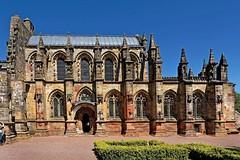 Scotland / Roslin / Rosslyn Chapel (Pantchoa) Tags: édimbourg ecosse roslin rosslynchapel rosslyn chapelle architecture ciel bleu pierres vielles religion xiiiièmesiècle 13thcentury anglican