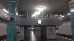 1969/73 Berlin-O. U-Bahnhof Tierpark U5 Am Tierpark in 10319 Friedrichsfelde (Bergfels) Tags: friedrichsfelde ubahnhof ubahn u5 berlino beschriftet 10319 berlinerubahn bergfels 196973 ubahnhoftierpark architekturführer amtierpark berlin 1969 ddr ostberlin 1960er 20jh