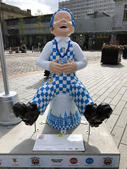 Taxi Wullie (syf22) Tags: wullie oorwullie boy lad laddie loon loony scot scottish sculpture model art craving depict fun amuse bucket bellyoflaugh charity aberdeen symbol heritage iconic wee sundaypost auchenshoogle fictional sitting upturn dungarees artistry display artwork helpmaboab crivvens modelling cast figurine trail jings oorcabbie16