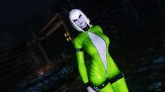 Edina Ferwind (XMymy007X) Tags: skyrim enb tesv latex lady green sexy