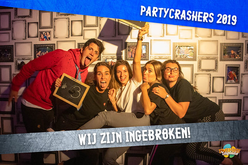 partycrashers-33_0007_Blauw copy 3