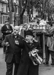 DSC_7424_epgs (Eric.Parker) Tags: april 19 easter 2019 goodfriday procession littleitaly stfrancis assisi church stfrancisofassisi college street jesus christ stationsofthecross christian christianity brassband toronto palm bw