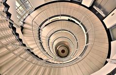 5. Stock Zürichhaus (petra.foto busy busy busy) Tags: zürichhaus bürohaus gebäude treppenhaus treppe treppenauge treppengeländer inside city stairs architektur stockwerk fotopetra canon eosrp hamburg germany