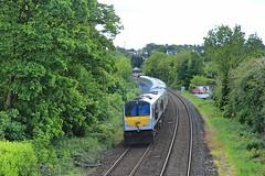 Lambeg, 28/05/2019 (Milepost98) Tags: ni northern ireland irish railway train nir railways translink enterprise ié rail lambeg halt station gm brick diesel locomotive 206