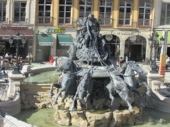 Place des Terreaux and Fontaine Bartholdi (sftrajan) Tags: plaza sculpture france fountain lyon 19thcentury bartholdi placedesterreaux frenchsculpture muséedesbeauxartsdelyon fontainebartholdi belleepoque fredericaugustebartholdi 19èmesiècle sculpturefrançaise unescoworldheritagesite presquîledelyon
