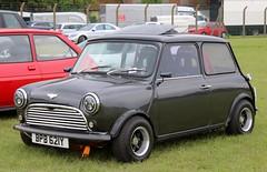 BPB 621Y (Nivek.Old.Gold) Tags: 1983 austin mini mayfair 998cc