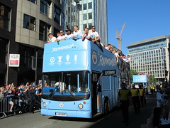 The Bus Business LX03BZF 20052019b (Rossendalian2013) Tags: manchestercityfootballclub parade manchester thebusbusiness fourmidables opentop transbus trident alx400 lx03bzf stagecoacheastlondon