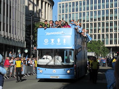 The Bus Business X233NNO 20052019a (Rossendalian2013) Tags: manchestercityfootballclub parade manchester thebusbusiness fourmidables opentop dennis trident alexander alx400 x233nno stagecoachselkent tas233