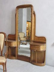 (sftrajan) Tags: hectorguimard artnouveau furniture museum muséedesbeauxartsdelyon decorativearts lyon france hôtelguimardparis jugendstil interiordesign artsdécoratifs artesdecorativas dekorativekunst hôtelguimard