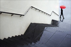 F_MG_4942-1-Canon 6DII-Tamron 28-300mm-May Lee 廖藹淳 (May-margy) Tags: maymargy 人像 下雨 雨傘 階梯 牆 扶手 倒影 紅傘 街拍 線條造型與光影 天馬行空鏡頭的異想世界 心象意象與影像 台灣攝影師 幾何構圖 點人 脈動 台南市 台灣 中華民國 fmg49421 portrait red umbrella raining stairs handrail reflection streetviewphotography linesformsandlightandshadow mylensandmyimagination naturalcoincidencethrumylens taiwanphotographer taiwan repofchina humaningeometry humanelement tainancity canon6dii tamron28300mm maylee廖藹淳