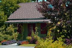 Country Cottage ..  Maison de Campagne (Bob (sideshow015)) Tags: jardin botanique botanical gardens country 7100 flowers building cottage fleurs maison montreal quebec canada nikon paix peaceful pays