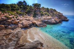(215/19) La cala perfecta (Pablo Arias) Tags: pabloarias photoshop nx2 cielo nubes paisaje mar mediterráneo agua cala roca elracodelconill villajoyosa alicante