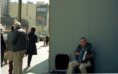 Los Angeles CA 2018 (marzo ph.) Tags: leica leicam6 street streetphotography musician usa america california arizona los angeles san francisco tucson mexico city 2018 nikon n55 kodak portra160 daniele marzocchi marzoph analog ishootfilm concrete architecture ca film losangeles m6 thebroad broad bw later blackandwhite black white add tags 400 dtla building light store signs urban concreet filmphotographic filmsnotdead staybrokeshootfilm buyfilmnotmegapixels istillshootfilm 35mm peope