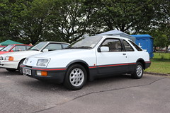 Ford Sierra XR4i A984POO (Andrew 2.8i) Tags: swccc stadium city cardiff show voitures voiture autos auto cars car classics classic welsh wales uk kingdom united euro european v6 2800 hatch hot hatchback xr xr4 xr4i sierra ford