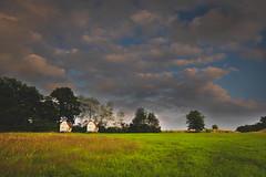 2 kleine Häuschen nach dem Unwetter (markusgeisse) Tags: clouds wolken campingplatz edersee sauerland hessen deutschland germany bäume wiese landschaft landscape