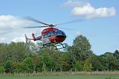 Notarzt in der Luft (Carl-Ernst Stahnke) Tags: altefähr seebad rettungshubschrauber wiese segelschule notarzt luftrettung helicopter hubschrauber