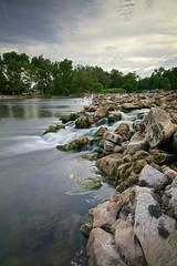 Rocas en el rio (explore 276) (pascual 53) Tags: canon 5ds 1635mm rioebro funes navarra rocas presa pescadores sedas largaexpo