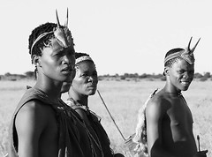 Bushmen - Central Kalahari - Botswana (lotusblancphotography) Tags: africa afrique botswana centralkalahari travel voyage people gens bushmen portraits bw monochrome