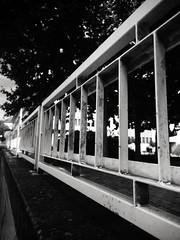 Barrière (Kn'L) Tags: fence clôture barrière barrier blackandwhite bw urbin city street ville sion