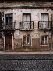 (Gianna Fou.) Tags: old decay building window grey brown door