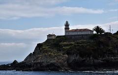 Faro en Cudillero (Asturias, España, 14-6-2019) (Juanje Orío) Tags: 2019 cudillero asturias provinciadeasturias principadodeasturias españa espagne espanha espanya spain europa europe europeanunion eu ue unióneuropea faro lighthouse costa litoral mar sea agua water cantábrico