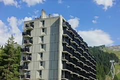 Concrete @ Flaine Forum @ Resort @ Flaine @ Hike to Désert de Platé (*_*) Tags: 2019 summer ete august afternoon hiking europe france hautesavoie 74 savoie loop circuit mountain montagne nature randonnee trail sentier walk marche giffre désertdeplaté flaine skiresort stationdeski art architecture brutalism concrete faucigny marcel breuer