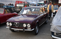 Alfa Romeo 2000 berlina // CT-278879 (baffalie) Tags: auto voiture ancienne vintage classic old car coche retro expo italia sport automobile racing motor show collection club course race circuit italie padoue fiera moto bike motorbike motocycle